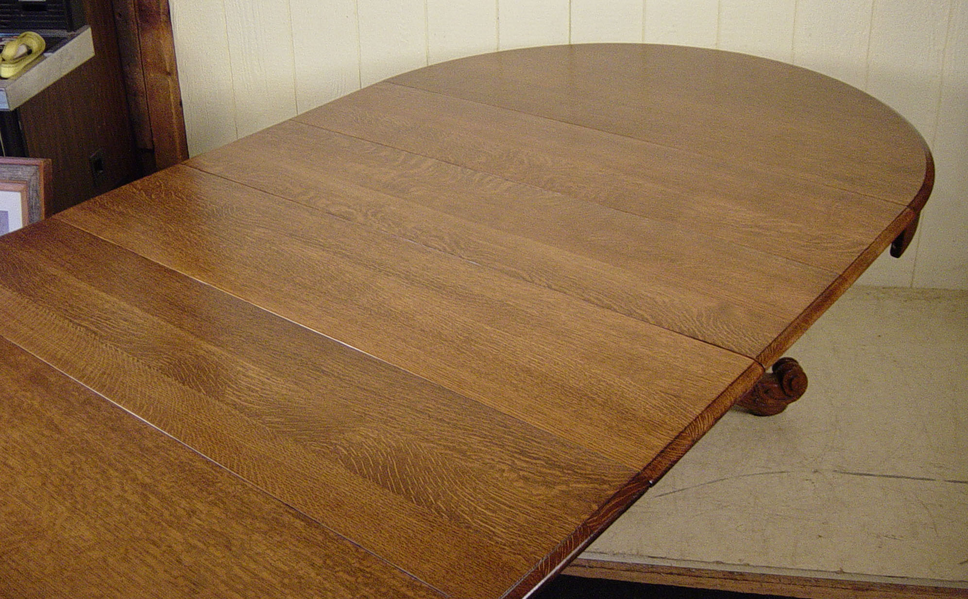 "Round Dining Table 52 Inch: 52"" Round Victorian Oak Dining Room Table With 4 Leaves"