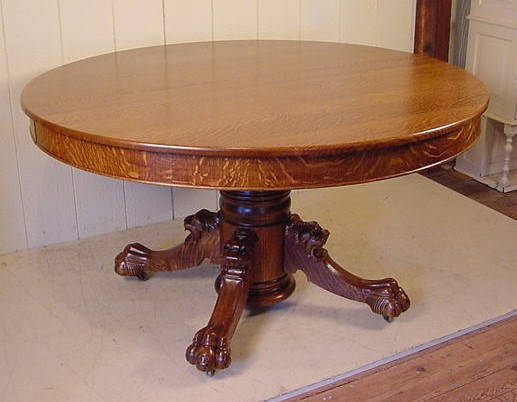 Etonnant ROUND OAK CLAW FOOT TABLE W/ LION HEADS