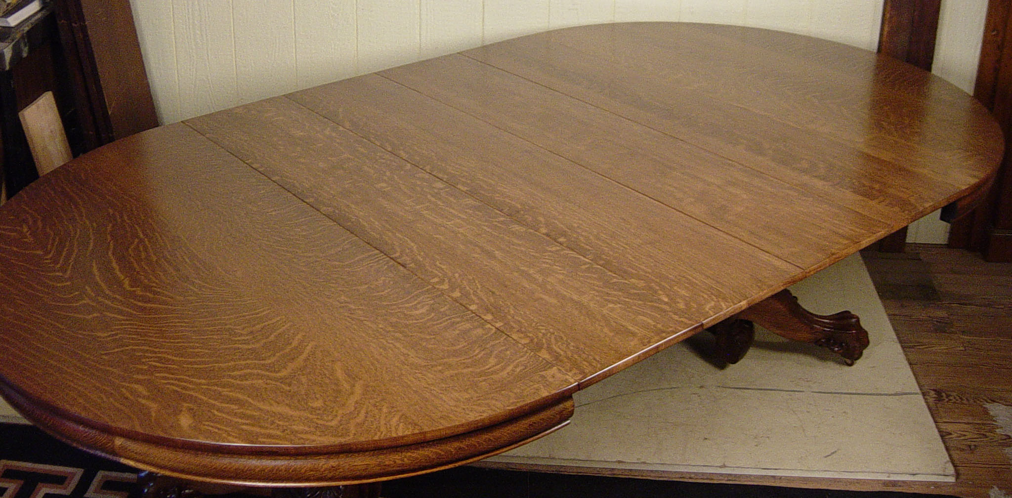 54 Quot Round Oak Quot Hastings Table Co Quot Dining Table With 4 Leaves