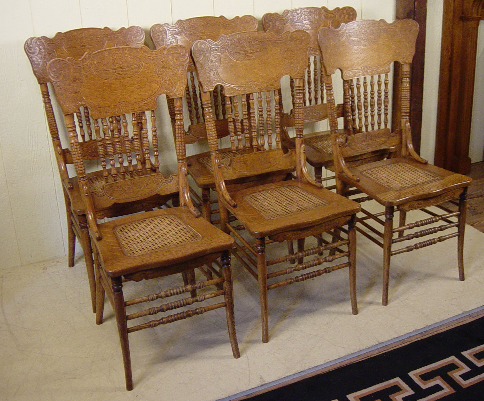 Set Of 6 Oak Press Back Spindle Back Chairs