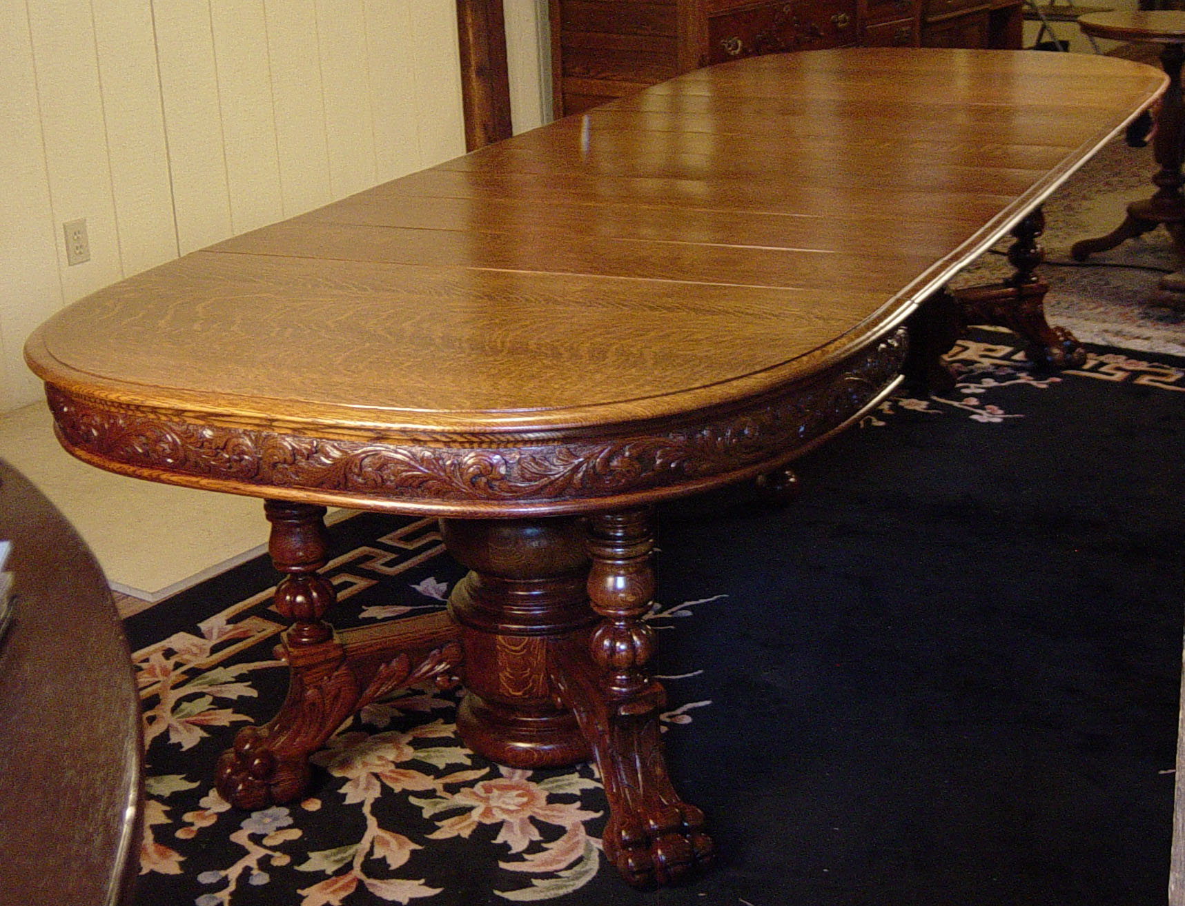 Fantastic Oak Dining Room Table With 8 Leaves